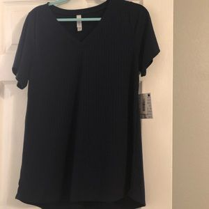 NWT Lularoe Large Christy T Shirt. Solid Navy